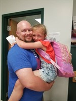 Dad Surprises Kindergartner